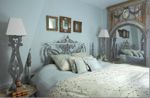 Paris bed