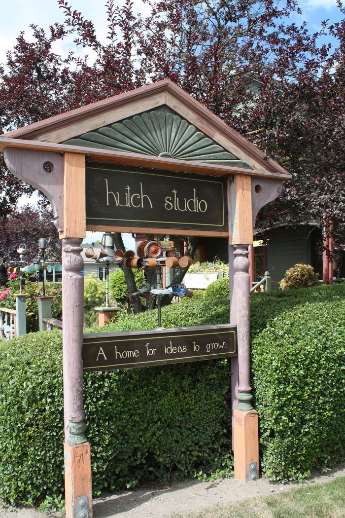 Hutch studio sign