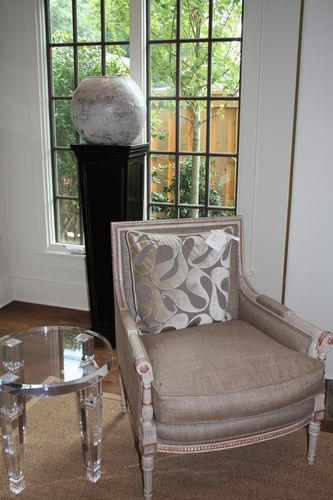 Madeleine chair and acrylic end table
