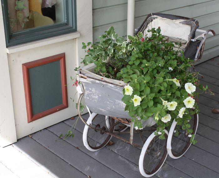 Stroller planter