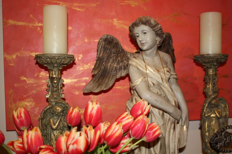 Angel with coral tulips