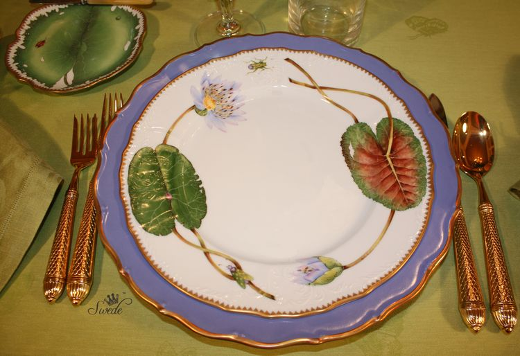 Swede waterlily plates7936