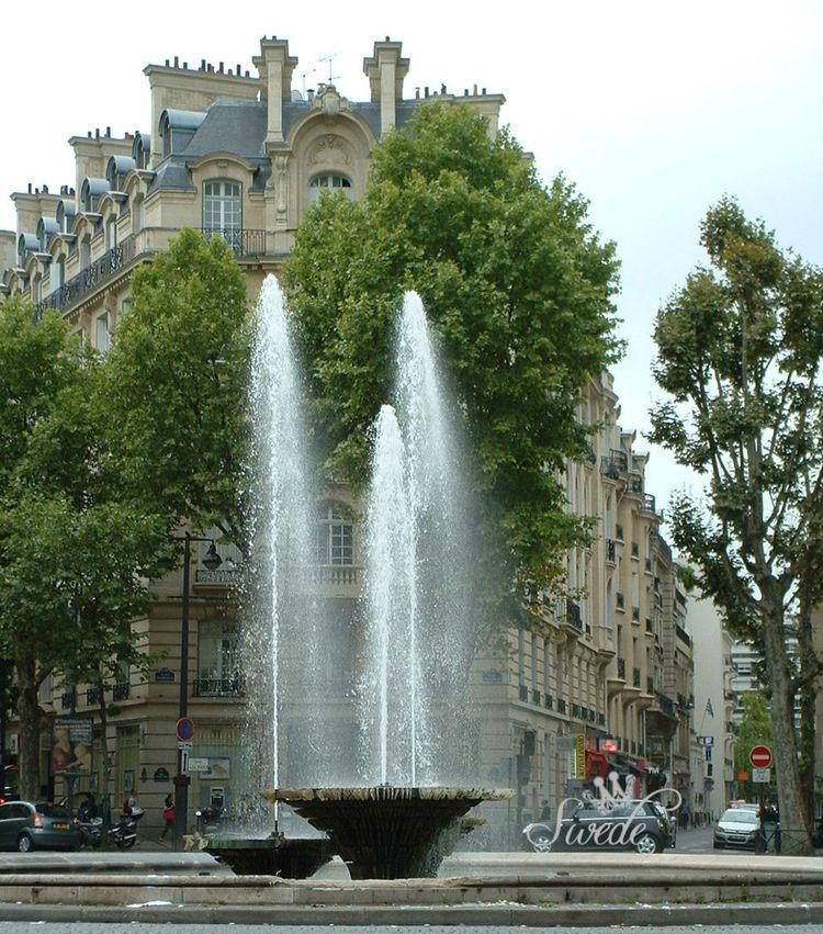 13 paris fountain