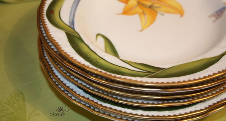Swede stack of salad plates7915