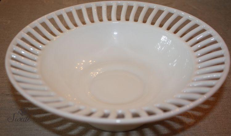 White bowl 8508