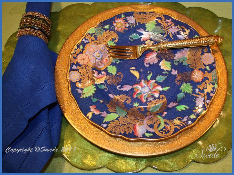 Dessert blue and gold plates border logo