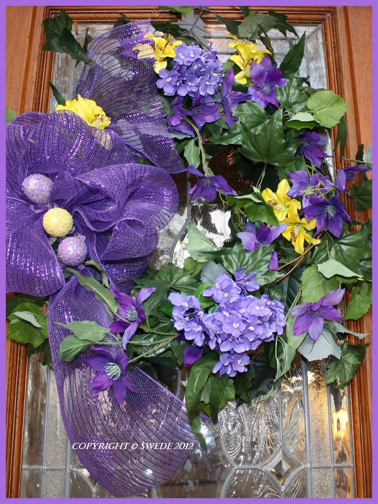 Door easter wreathlogo
