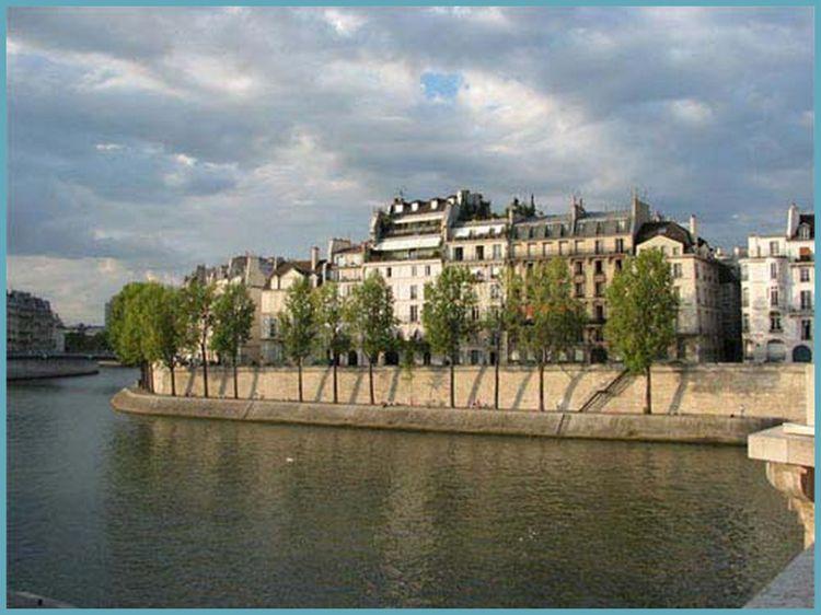 Seine River going around Ile Saint Louis note stone walls
