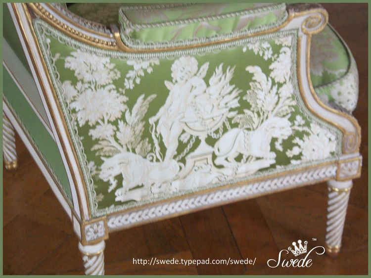 Green damask chair versailleslogo