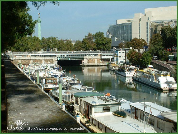 Houseboat photo 7