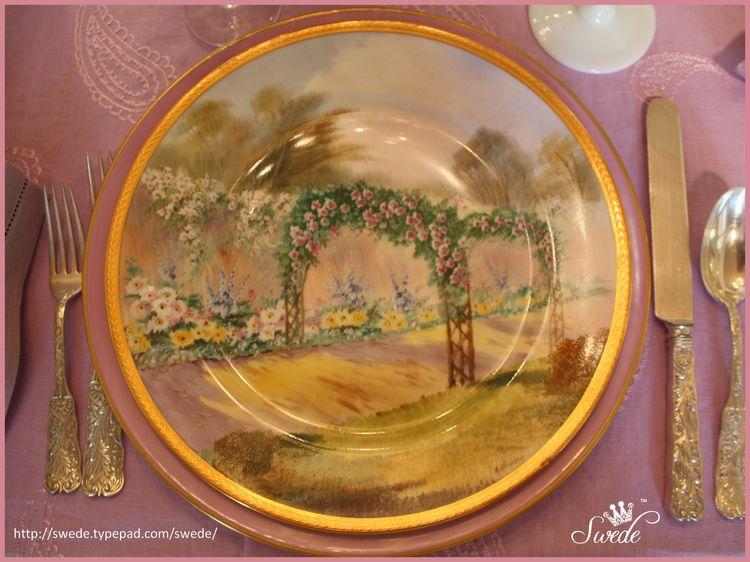 A Rhodes service plate lo