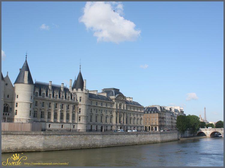 4 x 3 Seine w bldgs Isle de Cite lo