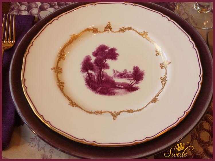 Royal worcester The Chamberlain dinner platelogo