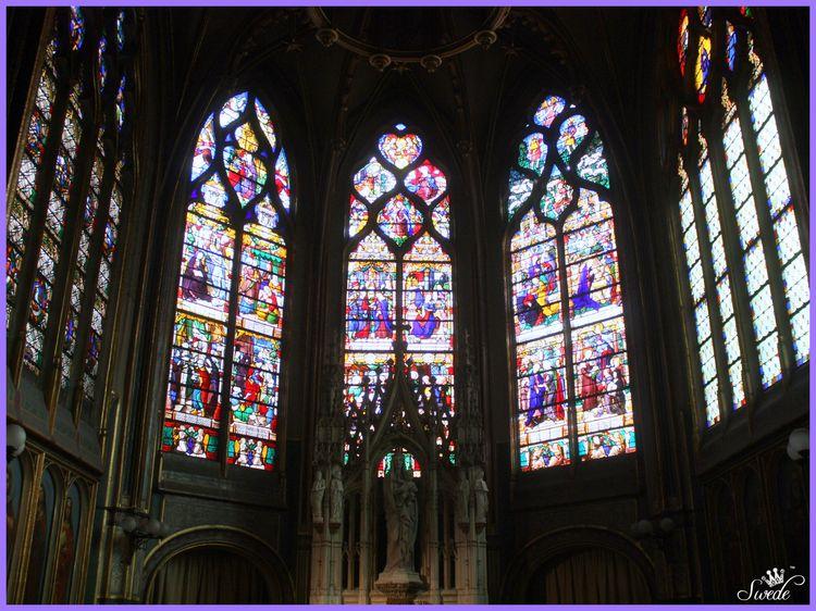 2014-06-0239dark Saint-Gervais Saint-Protais Churchlo