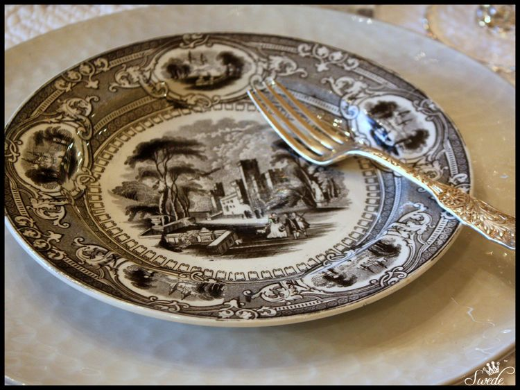 Wedgwood plate lo