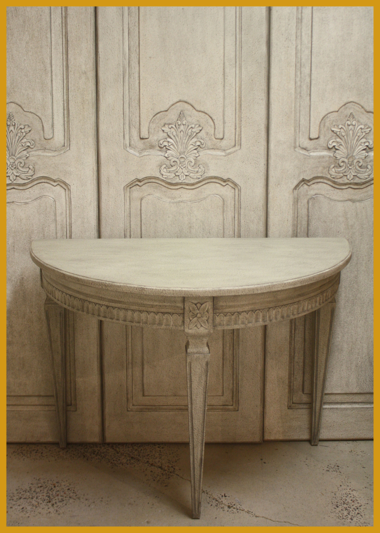 SCO45 Demilune Table