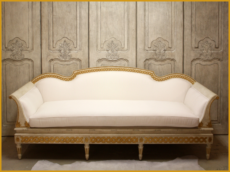 SC0041 Gustavian Sofa Creme and Gold Leaf