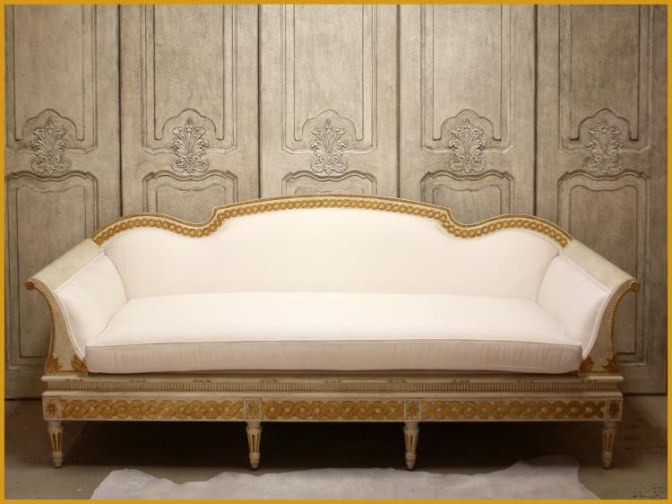 SC0041 Gustavian Sofa Creme and Gold Leaf