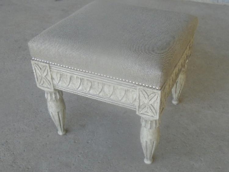 Grey stool no leaf with grey chenille fabric
