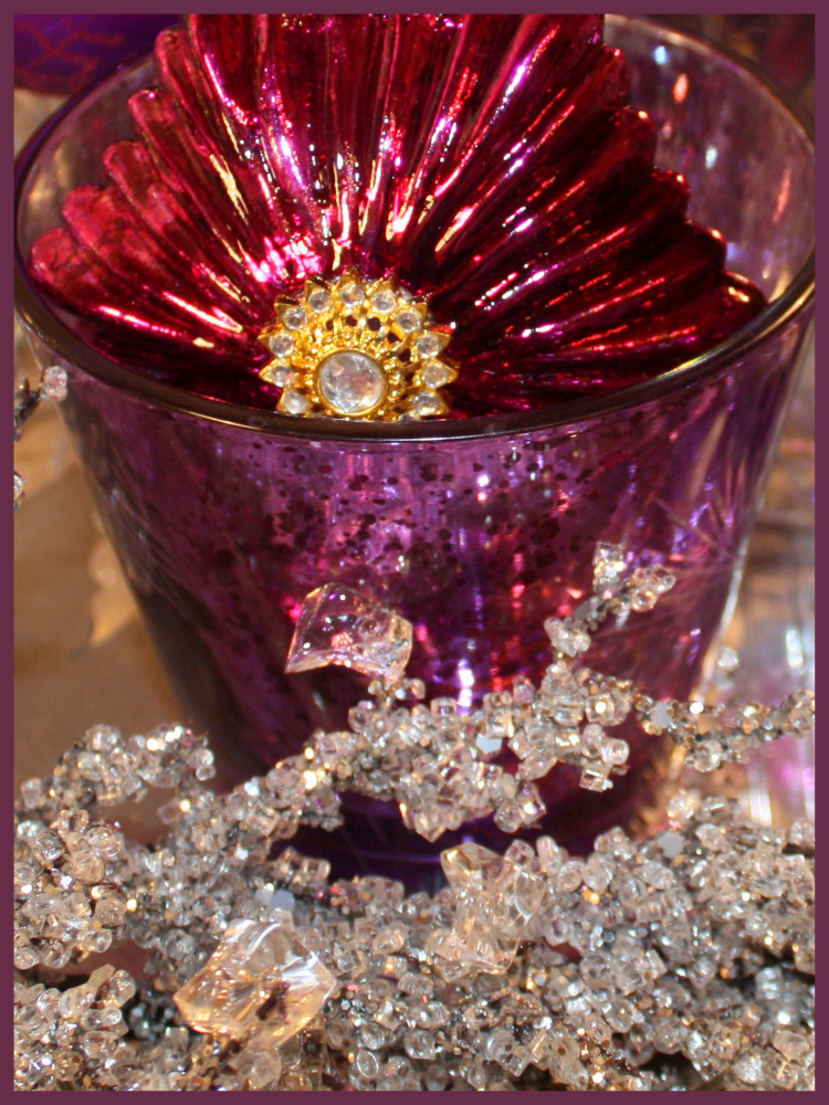 Ornament in magenta cup