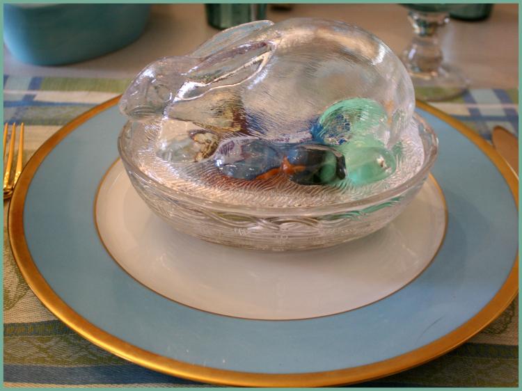 Glass rabbit